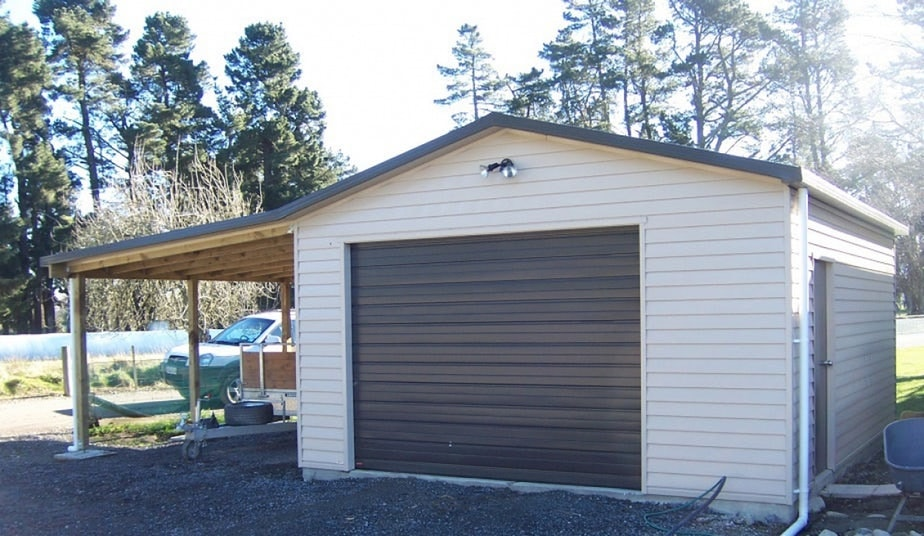 Single Garage With Carport