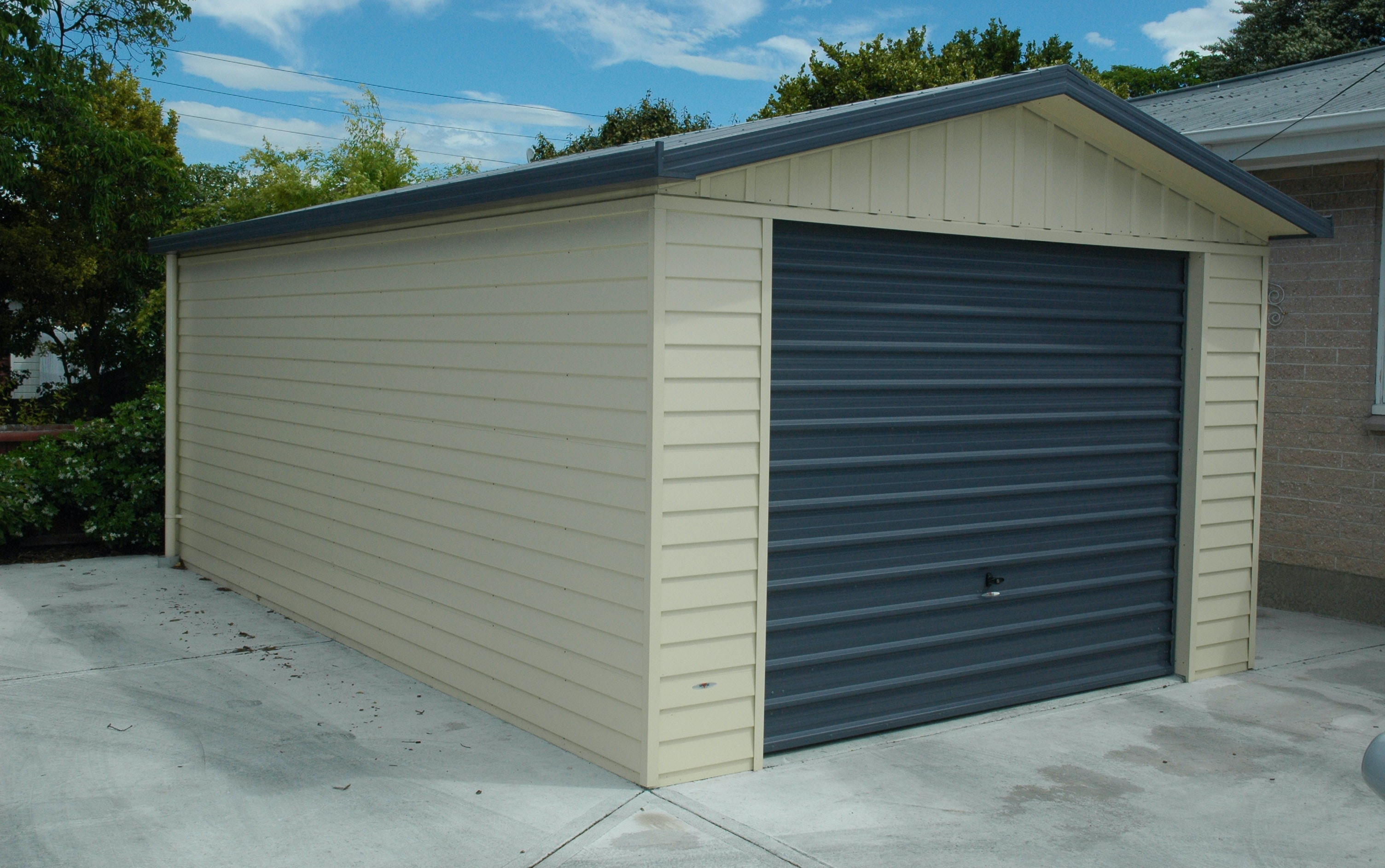 Single Garages Buildings Versatile